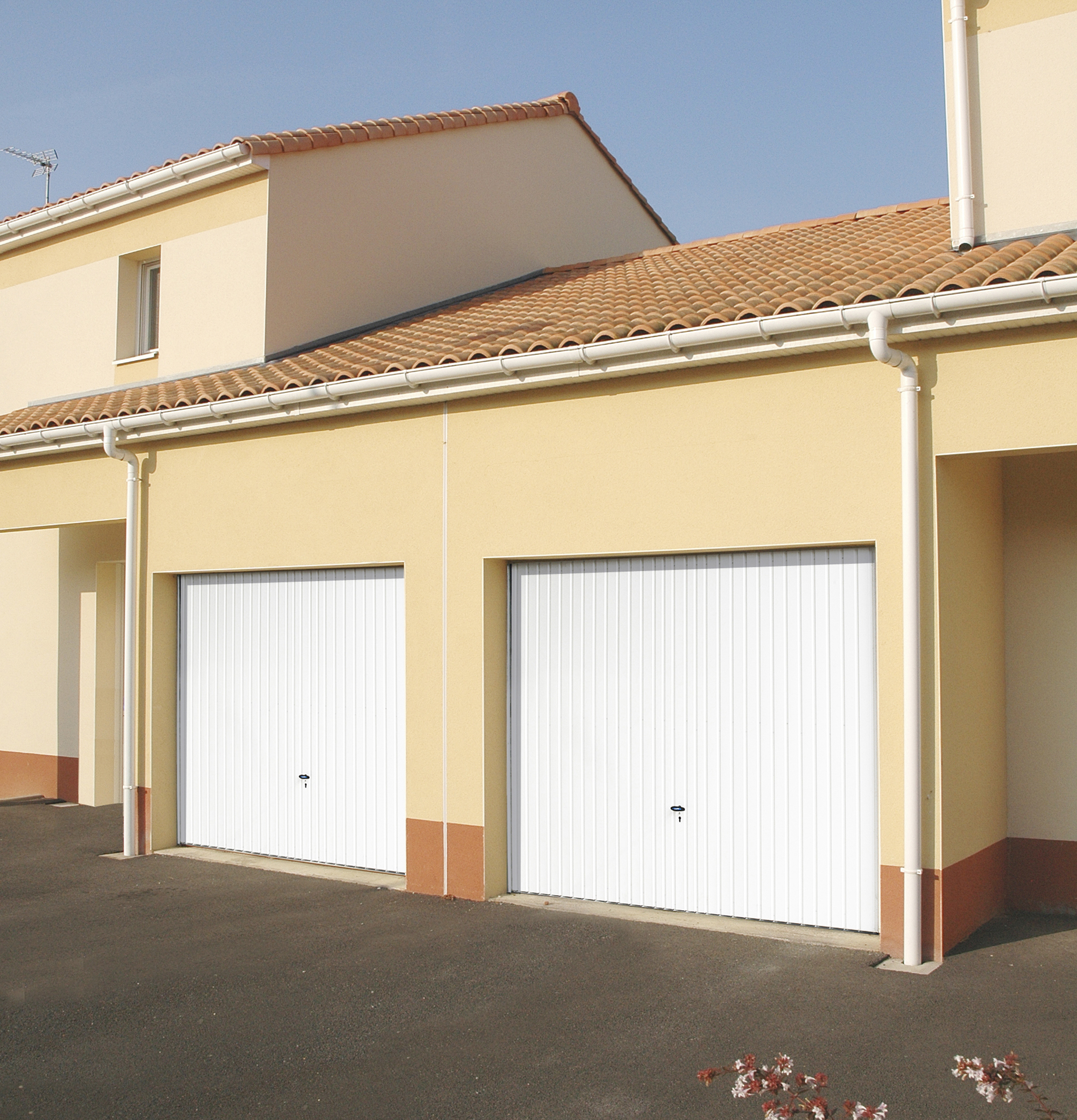 Baies fermetures grenoble fen tres volets baies - Come funziona porta basculante garage ...