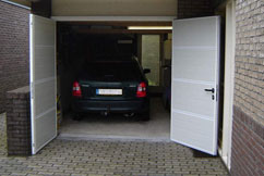Porte de garage battante DUOPORT PVC